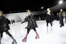 09-12-2016 Lady gaga en pasarela de Marc Jacobs
